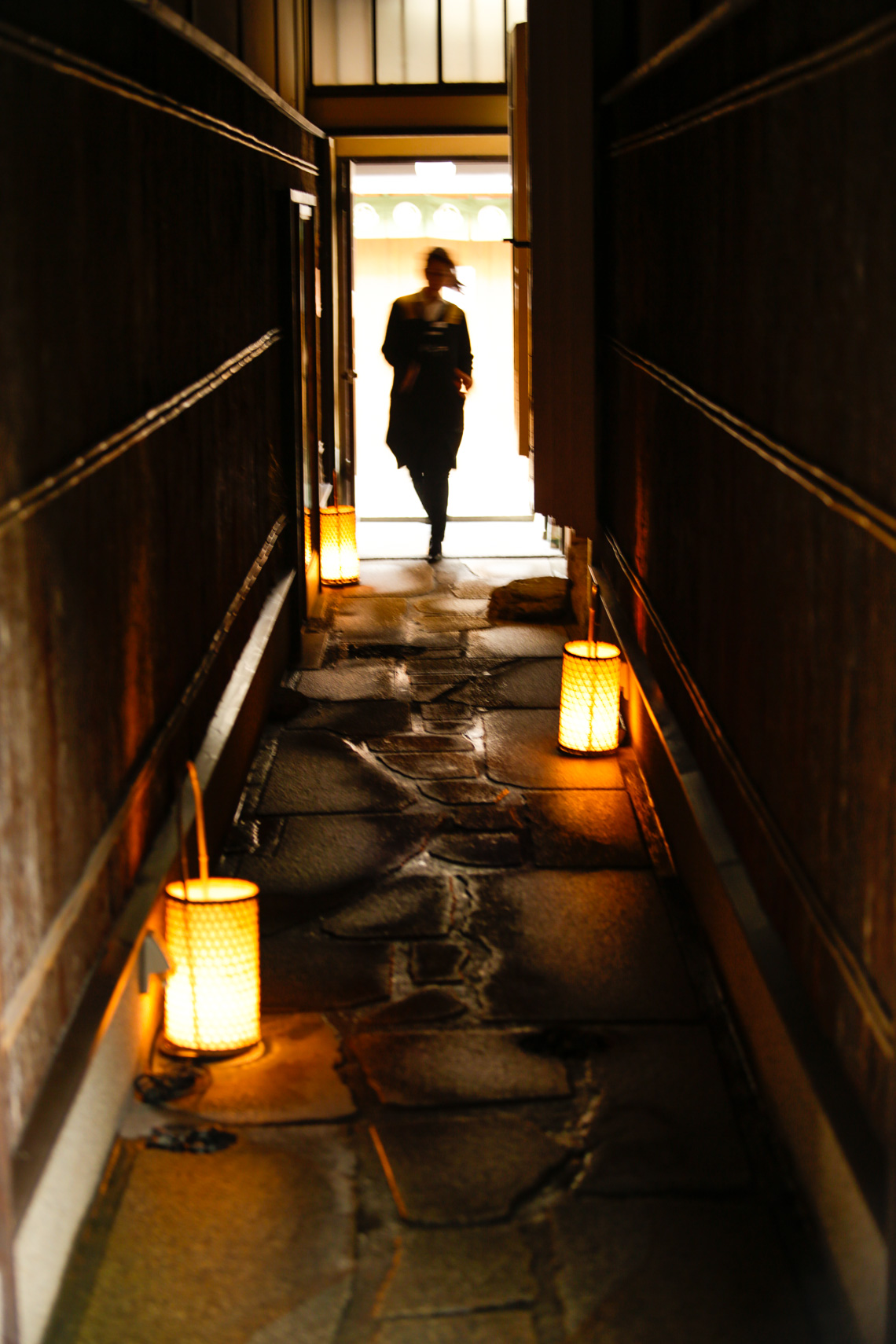 Fleeting moment in a laneway in Kyoto, Japan by Paul Green Photographer